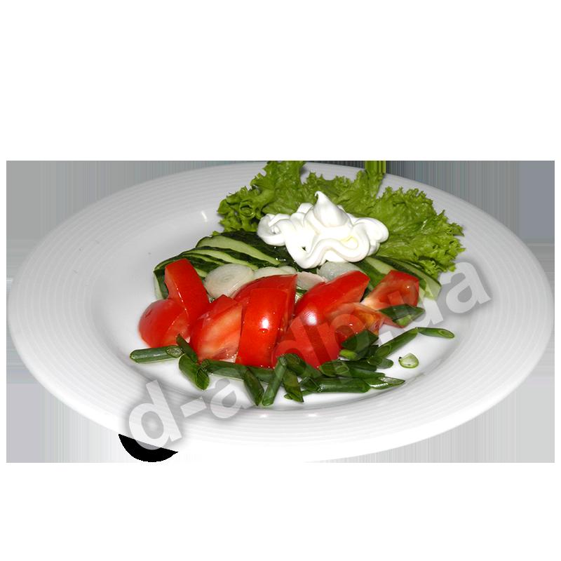 Из помидор и огурцов со сметаной
