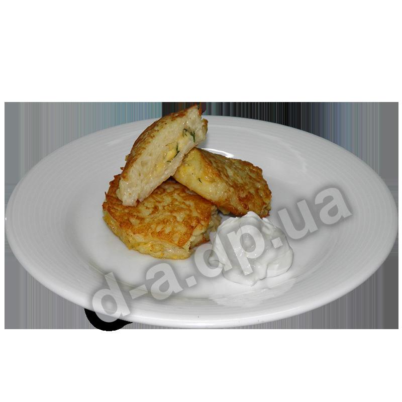Деруны фаршированные сыром со сметаной